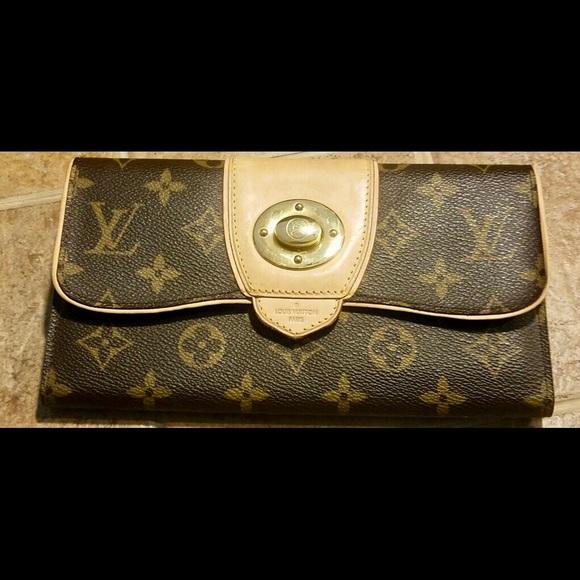 819666a40ae3 Louis Vuitton Handbags - Authentic Louis Vuitton Monogram Boetie Wallet